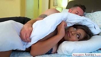 Melhores videos pornos comendo uma ninfetinha na cama